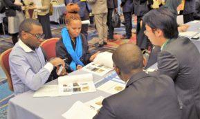 アフリカ留学生とのネットワーキングフェアに本校留学生が参加しました。