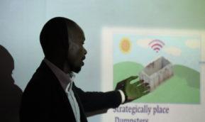 ICTイノベータコース探究実践演習の最終成果発表会が開催されました。