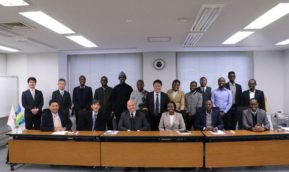 パウラ・インガビル・ルワンダ共和国ICTイノベーション大臣らが来学